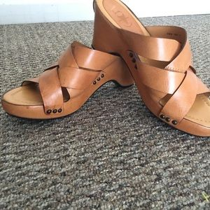 Frye All Leather Tan  Wedge Sandals